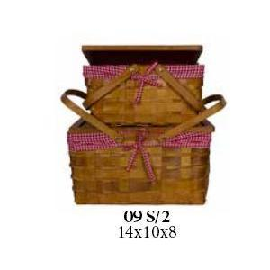 Picnic Basket Set With Checkered Liner