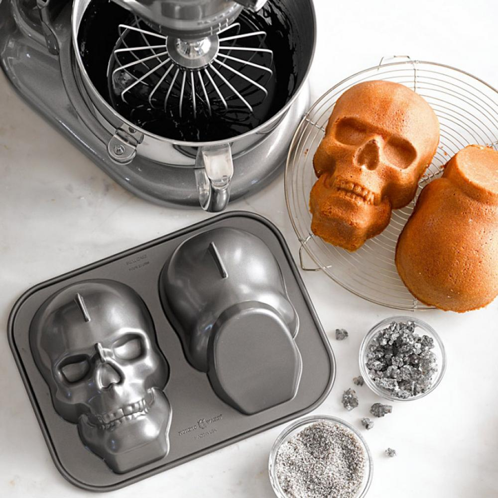Haunted Skull Cake Pan - Seasonal Item